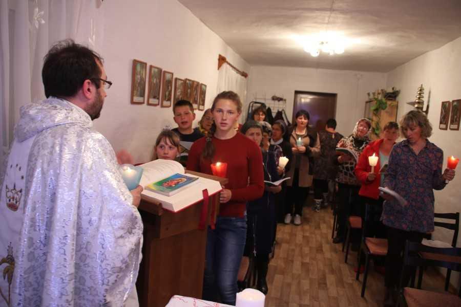 ОбщинаМатери Божьей Неустанной Помощи с. Колыон 2