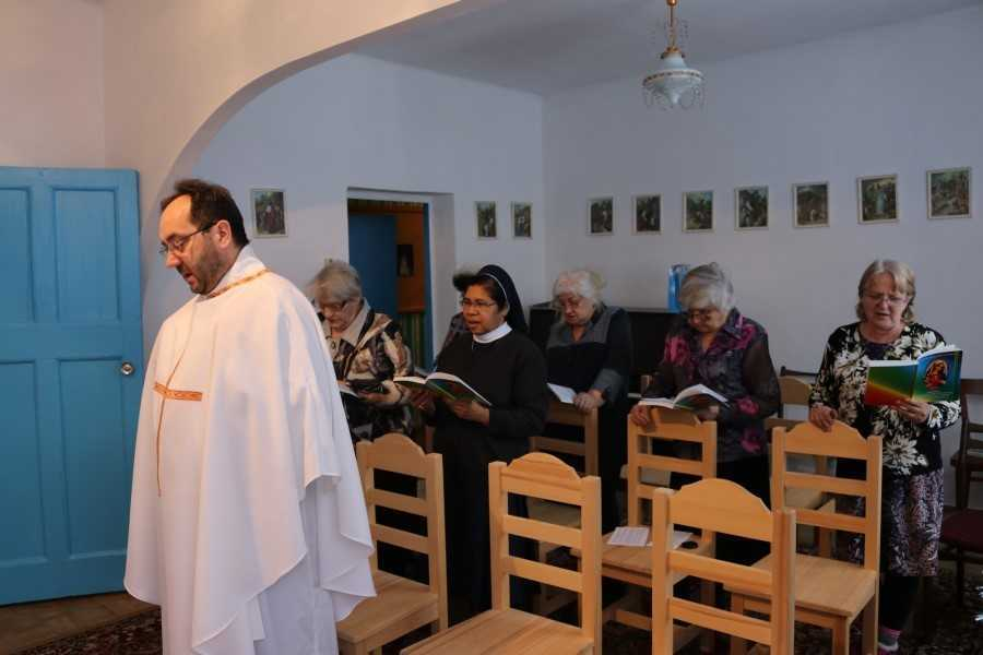 Община Святой Терезы из Лизьё г. Анжеро-Судженск 3