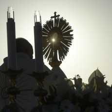Папа: благословлять то, что у нас есть теперь, и не проклинать минувшее