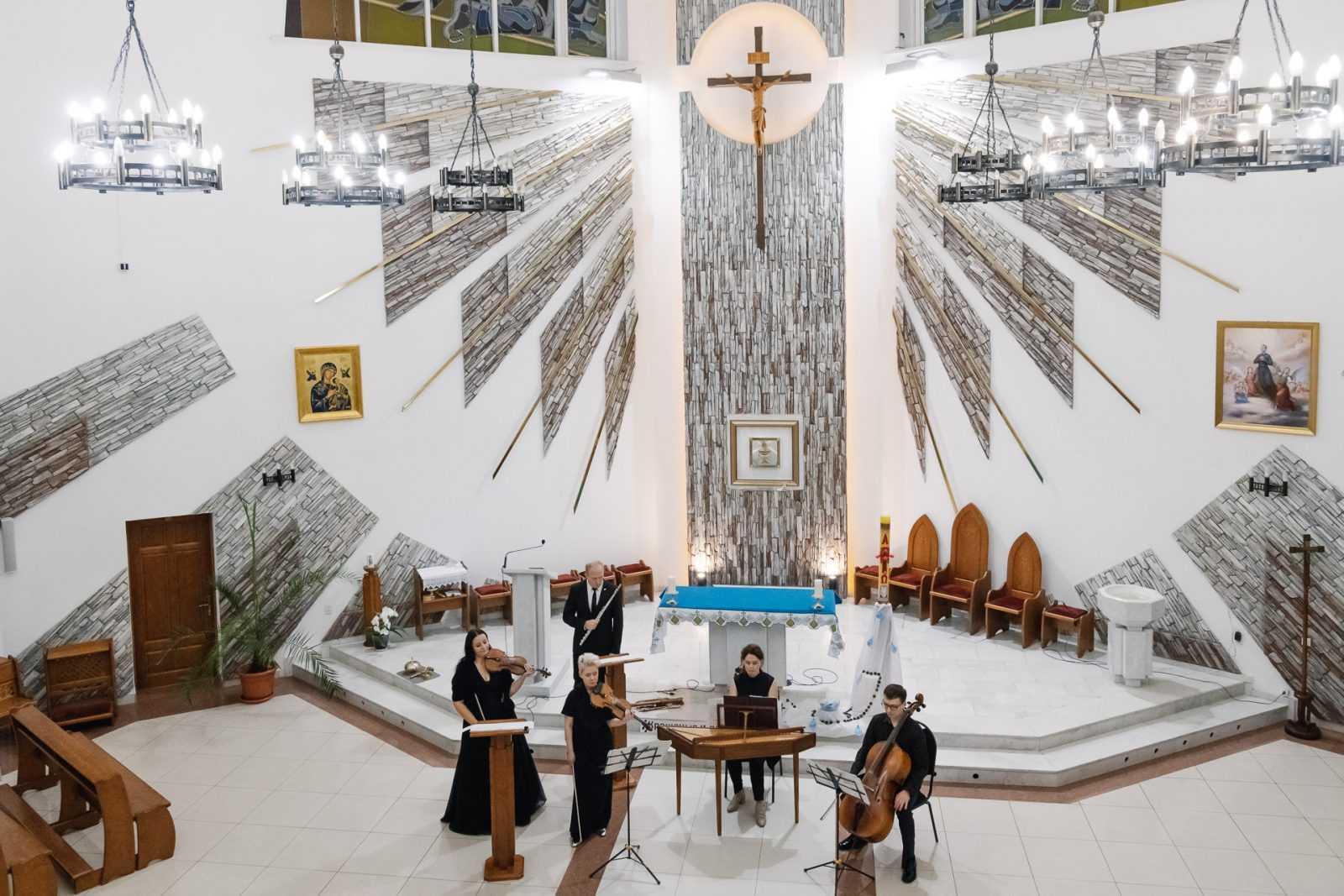 Музыка в храме КОНЦЕРТ «МАСТЕРА БАРОККО» 26.10.2019 30