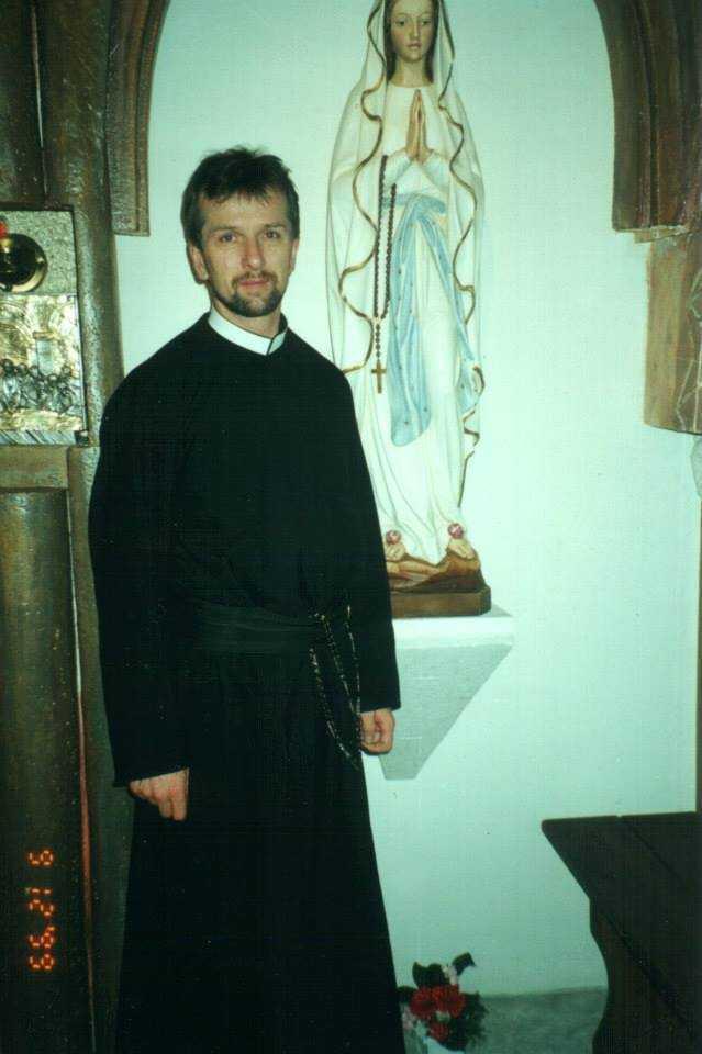Сегодня, 19 января вспоминаем 19-ую годовщину смерти отца Дариуша Лысаковского и Татьяны Мусохрановой. 33