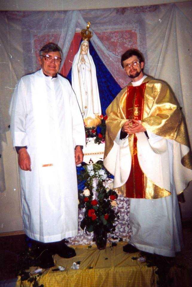 Сегодня, 19 января вспоминаем 19-ую годовщину смерти отца Дариуша Лысаковского и Татьяны Мусохрановой. 36