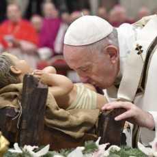 Папа: «Поклонение – это жест любви, изменяющий жизнь»