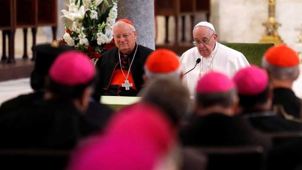Папа Франциск принял участие в заключительном акте встречи епископов Средиземноморья и отслужил св. Мессу в базилике Святого Николая 3