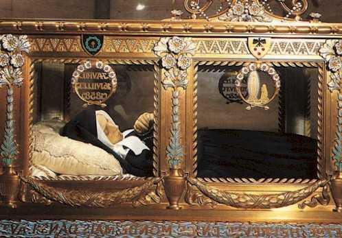 11 февраля. Пресвятая Дева Мария Лурдская. Всемирный день молитв о больных. Годовщина установления четырех католических епархий в России 3