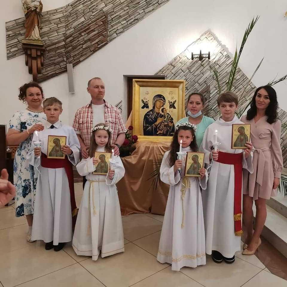 14 июня 2020 Первое причастие Кирилла, Владимира, Софии и Милены. 7