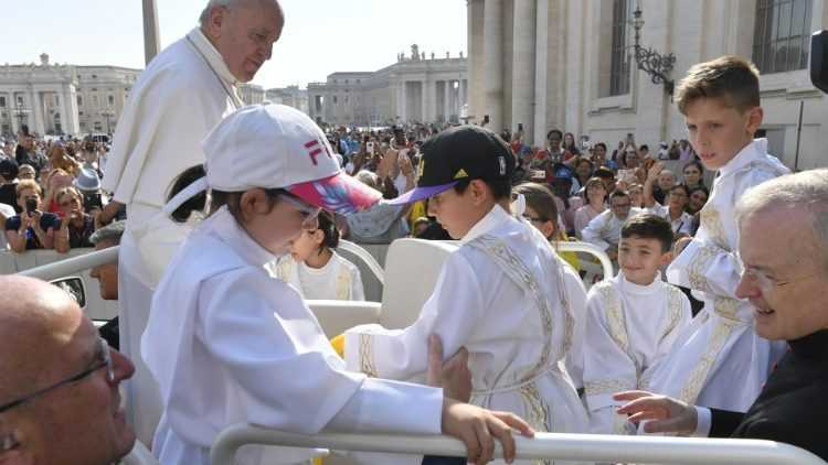 Папа: не бойтесь тех, кто приказывает нам молчать или клевещет на нас
